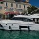 Motoryacht-charter-bavaria-virtess-420-Fly-IPS-spaceship-hotel-marina-punat-kroatien-korocharter
